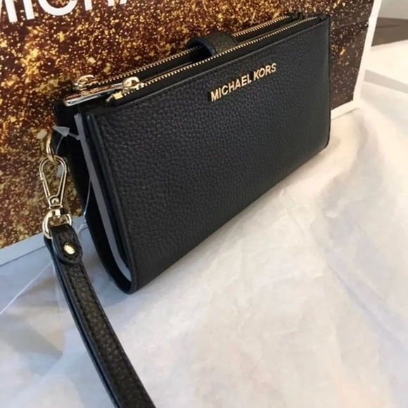 df950108a606 Michael Kors Bags | Double Zip Wallet | Poshmark